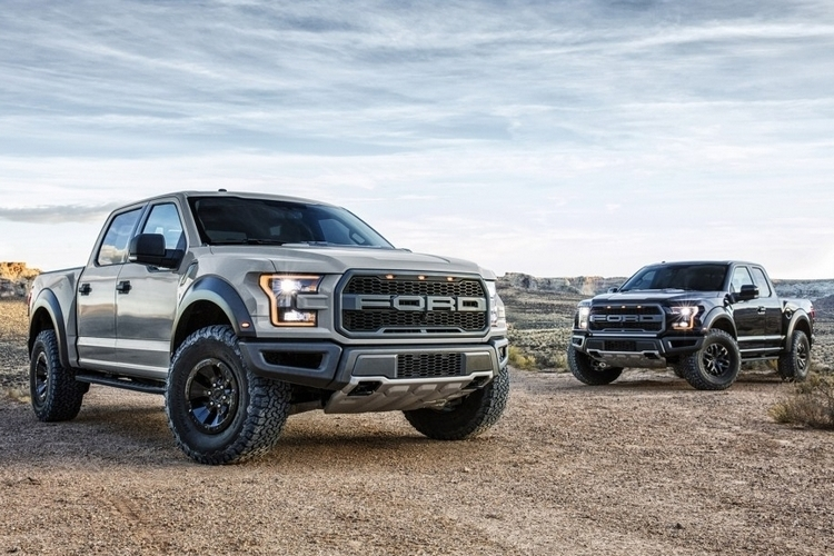 2017-ford-f150-raptor-supercrew-1