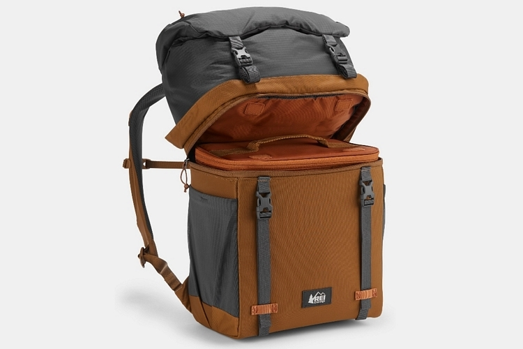 04-best-backpack-coolers-summer-2019